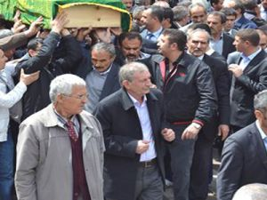 Kayseri'de Mustafa Müjgan Boydak İlköğretim Okul  Öğrenci Kendini Evin Banyosuna Astı