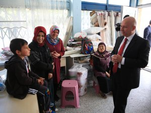 Başkan Çolakbayrakdar Sümer Mahallesini ziyaret etti