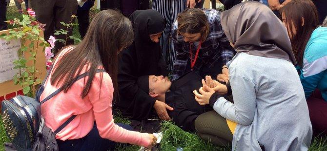 Anneler Günü etkinliğine katılan şehit Muratdağı'nın annesi baygınlık geçirdi