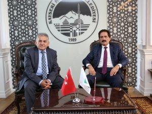 Kalaba Belediye Başkanı Köroğlu, Referans Belediye Melikgazi'yi ziyaret etti