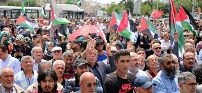 Yüzlerce vatandaş Cumhuriyet Meydanında İsrail'i protesto etti
