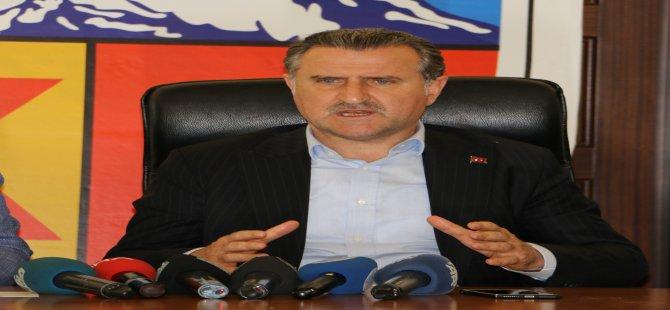 """Spor Bakanı Bak: """"Sahalarda taş, çamur her şey vardı"""""""