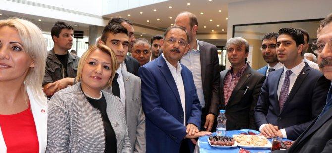 Özhaseki, MHP Kayseri milletvekilleri adayları ile sohbet etti