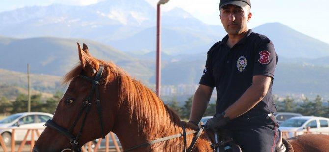 Kayseri'de atlı birlikle asayiş olayları
