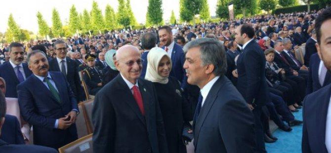 Abdullah Gül Başkan Erdoğan'ı yalnız bırakmadı