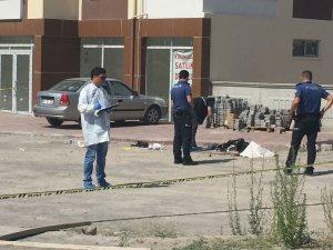 Kayseri'de kuaför dükkanı işleten kız arkadaşını vurdu sonra intihar etti