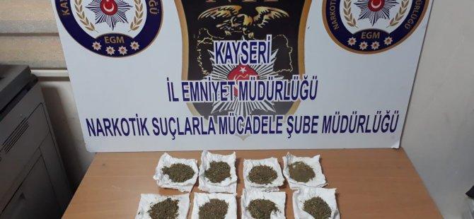 Kayseri polisi uyuşturucuya geçit vermiyor: 142 gram bonzai ele geçirildi