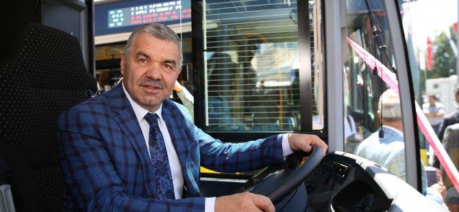 Büyükşehir 10 adet körüklü otobüsü kamuoyuna tanıttı