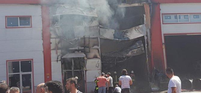 Oymaağaç Mahallesi Mobilyakent'te sünger deposunu böyle yaktılar