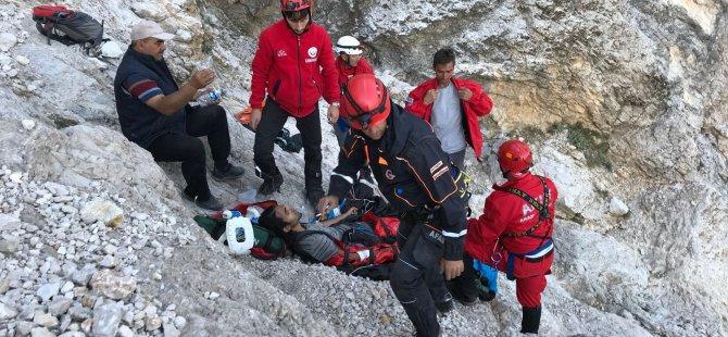 Yahyalı'da Dağa çakılan paraşütçü sağ olarak kurtarıldı