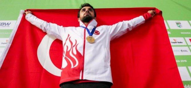 Keyseri Şekersporlu Milli Güreşçi Ekrem Öztürk Dünya Şampiyonu oldu