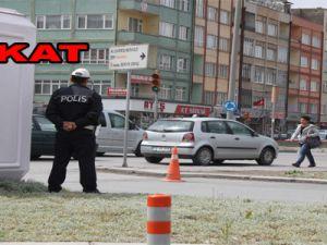 KAYSERİ'DE TRAFİK POLİSLERİNDEN KIRMIZI IŞIK PUSUSU