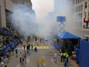 ABD'deki Çifte Patlamada Yüzlerce Yaralı Var
