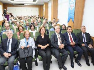 ERÜ Tıp Fakültesi'nde emekli olanlar için tören düzenlendi