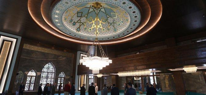 Başkan Çelik Hulusi Akar Camii'nin akustiğini test etti