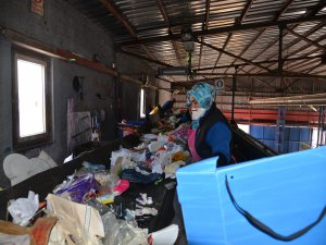 Melikgazi'de ayrıştırılmış çöpler toplanıyor