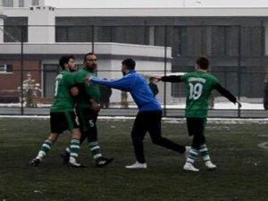 Hakeme tokat atan Ahmet Çetin 11 maç ceza aldı