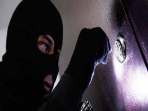 Kayseri'de kafeyi soyan hırsız yakalandı