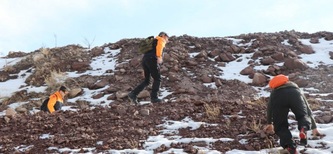 Yılanlı Dağ'a çıkan Suriyeli mahsur kaldı