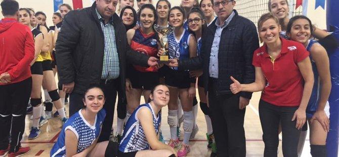 Kayseri OSB Teknik Koleji Atletikspor şampiyon oldu