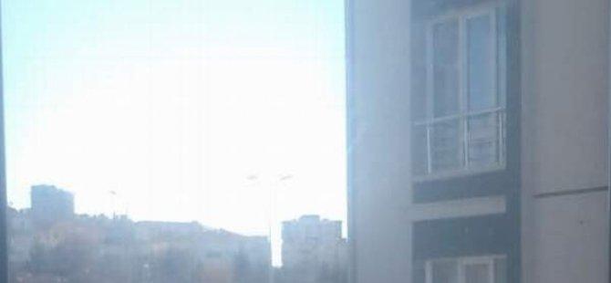 Erkilet'te 6. kattan düşen genç kız ağır yaralandı