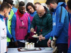 Varela'nın doğum günü pastası
