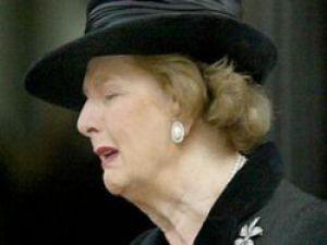 Margaret Thatcher Öldü!