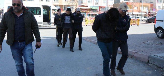 Kayseri'de Faaliyet yürüten 4 DEAŞ'lı Adliye'ye sevk edildi
