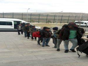 Kayseri'de 13 kaçak göçmen yakalandı