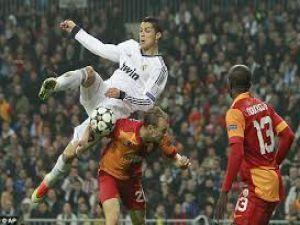 Cristiano Ronaldo G.Saray'dan Emin Değil !!