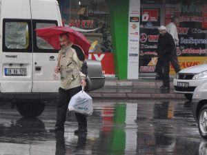 Kayseri'de bu sabah bastıran sağanak yağış