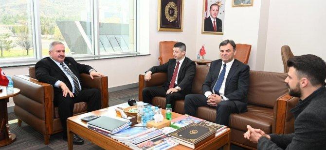 Bosna Hersek Brçko Distrikt Başbakanı Bulçeviç Ve Beraberindeki Heyet Kayseri OSB'yi ziyaret etti