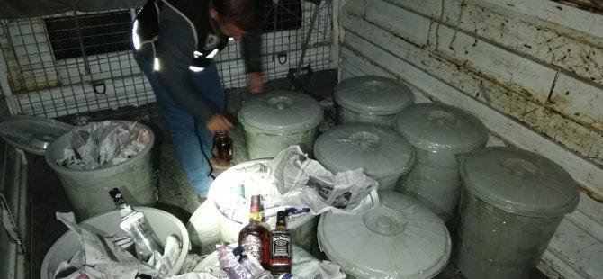 Kayseri'de Çöp kovalarına saklanmış 463 şişe kaçak içki ele geçirildi