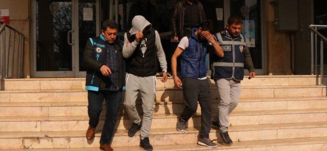 Erkilet'te çok sayıda mahalle'de araçları soyan hırsızlar yakalandı