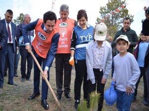 Bünyan'da Bin adet fidan toprakla buluşturuldu