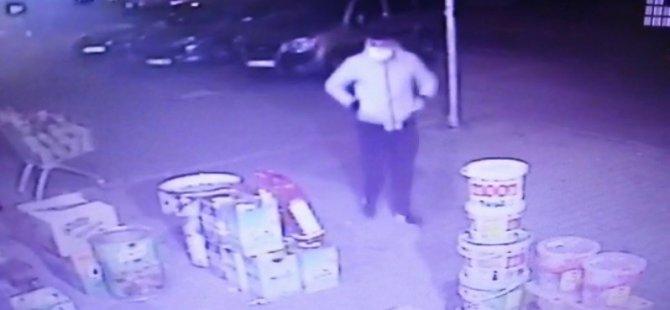 Erkilet'te Yüzüne hasta maskesi taktı, market soydu 5 bin TL çaldı