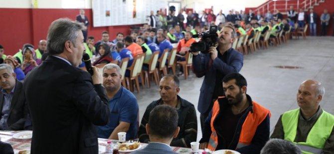 Başkan Palncıoğlu çalışanlarlar kahvaltıda buluştu