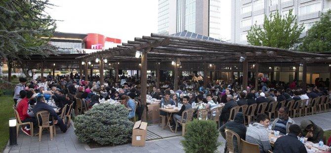 Kayseri Büyükşehir iftarına büyük ilgi