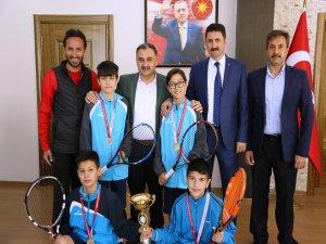 Kayseri Kort Tenis Turnuvasının Şampiyonu; Develi