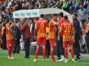 Kayserispor'da deprem 12 futbolcunun sözleşmesi bitiyor