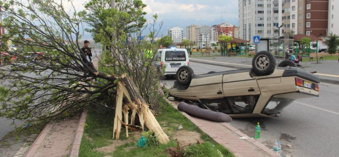 Erkilet Osmangazi'de Takla atan otomobildeki 5 kişi yaralandı
