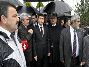 KAYSERİ MHP İL TEŞKİLATI TÜRKEŞ'İ MEZARI BAŞINDA ANDI