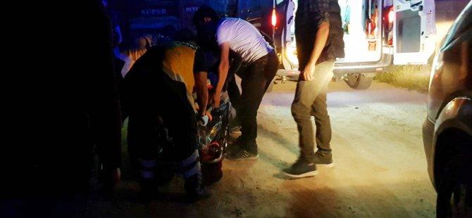 Jandarmadan kaçan motosiklet römorka çarptı: 2 yaralı