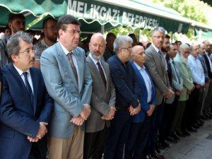 Kayseri'de Binlerce kişi Mursi için gıyabi namazında saf tuttu