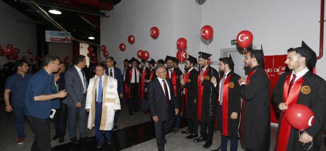 Büyükkılıç, Erciyes Üniversitesi Tıp Fakültesi'nin mezuniyet törenine katıldı