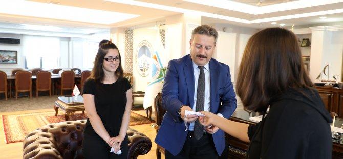 Palancıoğlu, dereceye giren öğrencileri ödüllendirdi