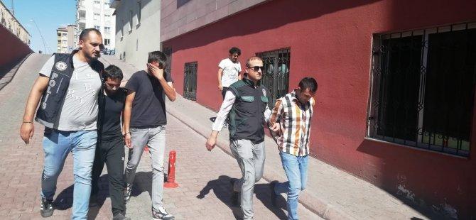 Kayseri'de uyuşturucu operasyonu 4 kişi gözaltına alındı