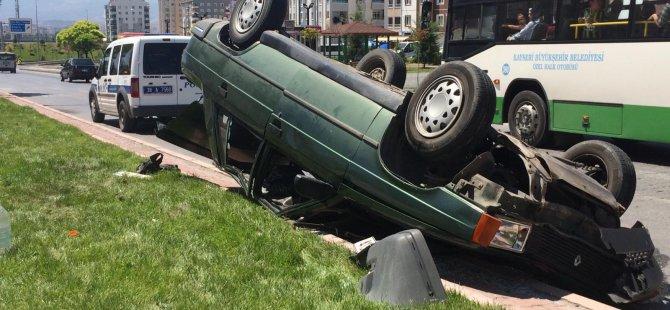 Erkilet Dere Mahallesi'nde otomobil ters döndü