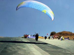 XC Türkiye Ali Dağı Yamaç Paraşütü Şampiyonası start aldı