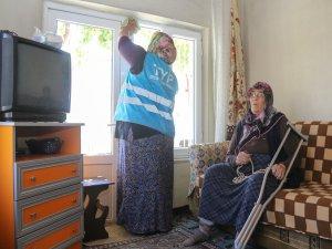 Yahyalı'da evde temizlik hizmeti yüzleri güldürüyor